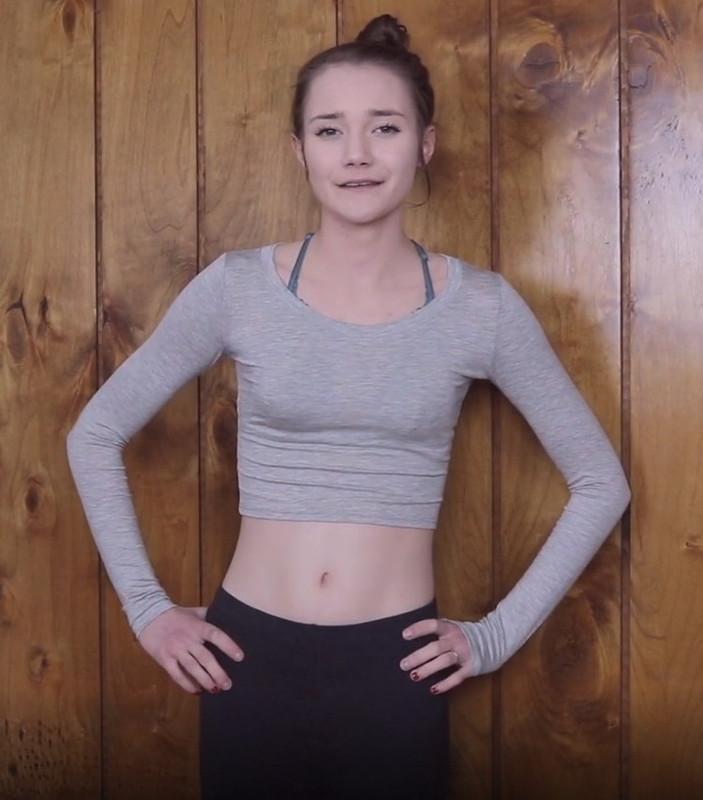 [ManyVids] - Princess Bambie Aka Carissa Nicole - In Need Of A Roommate POV Handjob (2021 / UltraHD 4K 2160p)
